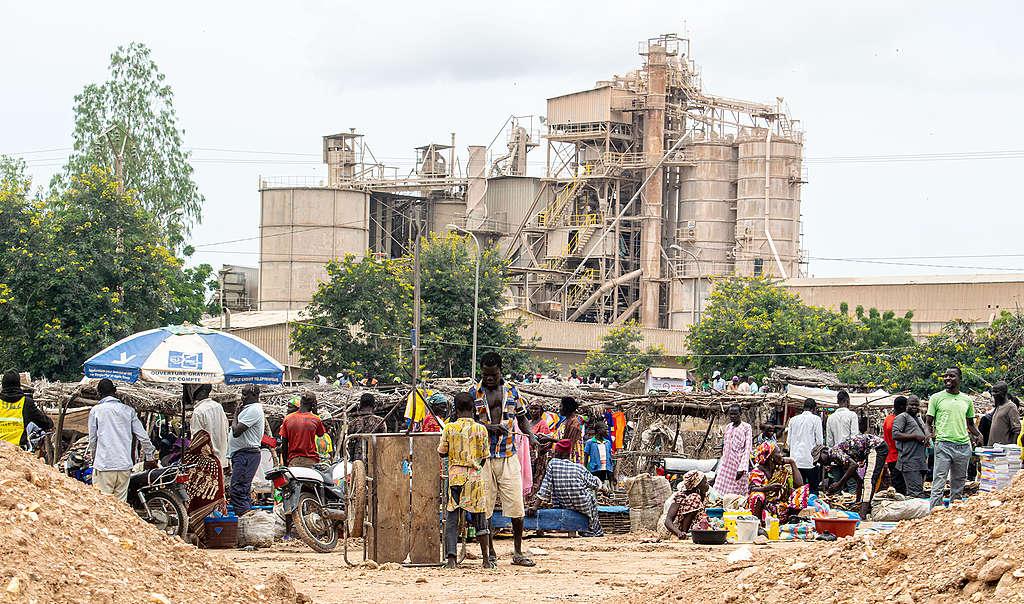 LafargeHolcim : pollution de l'environnement et maladies