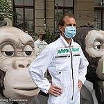 Greenpeace-Aktivist:innen testen Banken bezüglich nachhaltigen Anlegens: Finanzplatz hat seine Hausaufgaben nicht gemacht